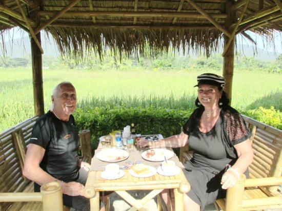 The Oriental Village Chiang Mai : petit dejeuner sous la salathai