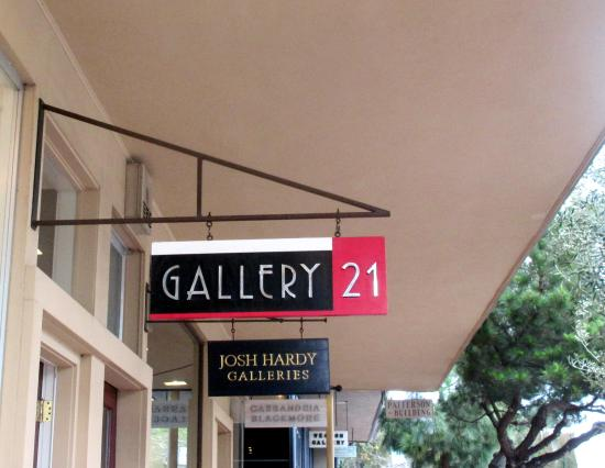 ‪Gallery Twenty-one‬