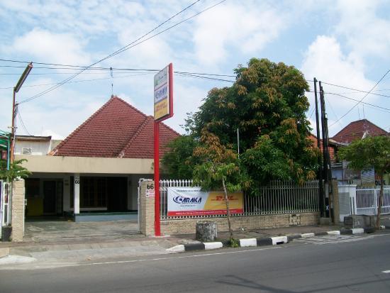 Krowi Inn: Street View