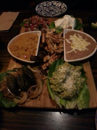 Moctezuma's Mexican Restaurant: Madera Grill for Two...wonderful!