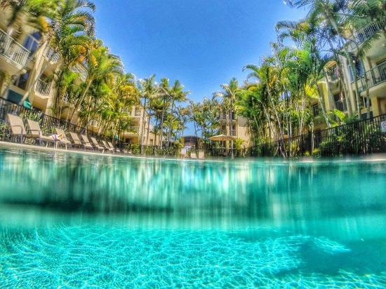 Bila Vista Holiday Apartments: More Go-Pro shots from the pool