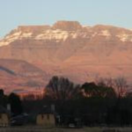 Ardmore Guest Farm: Breath taking views of South Africa's highest mountain peaks.