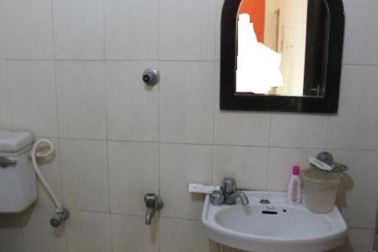 Debraj Beach Resort: broken bathroom fittings not serviced