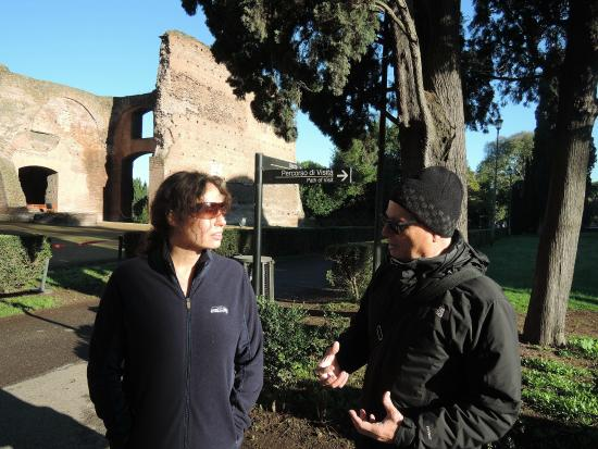 Rome with the Romans - Rome Guided Tours: Sergio and Rosemary at the Caracalla baths