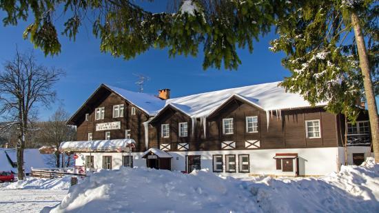 Hotel Karolina: на перекрёстке