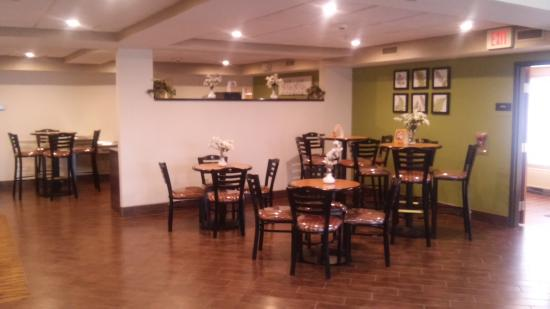 Sleep Inn & Suites: Newly Renovated Breakfast Area