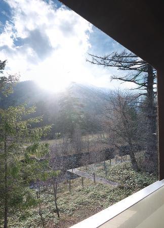 Okunikko Yunomori: Вид с балкончика