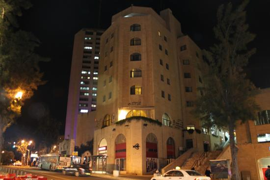 Lev Yerushalayim: At night