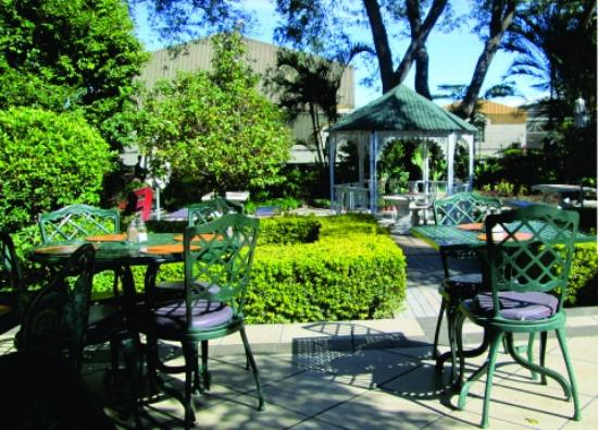 Cafe Rosa: Stunning gazebo