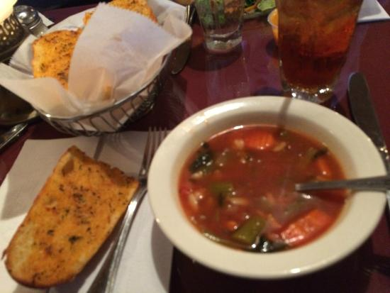 Cotardo's Ristorante: Vegetable Orzo Soup and Garlic Bread