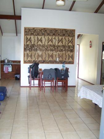 Twin View Motel : Wohn- und Essbereich