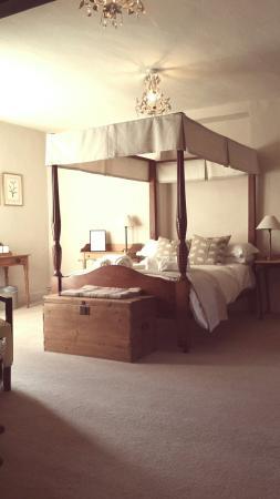 The Bucks Arms : Room 2