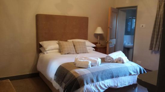 The Bucks Arms : Newly refurbished room 4