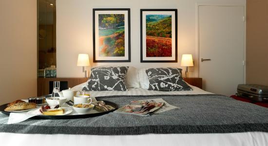 Guest room photo de h tel mercure villefranche en for Chambre de commerce villefranche sur saone