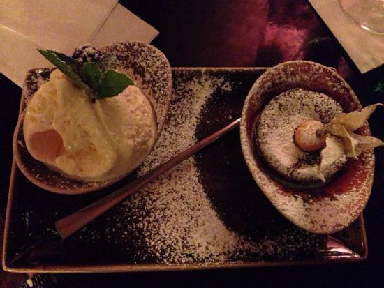 Citrus: Göttliches Schokoladen Soufflé mit Vanilleeis