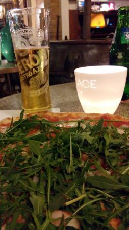 La Terrazza : De pizza en het bier