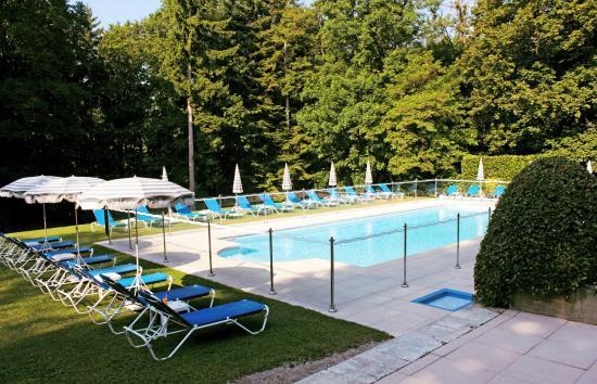 Château de Divonne : piscine