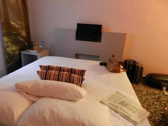 Ambassador Frankfurt Hotel: Il letto comodo e caldo
