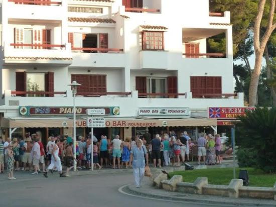 Magaluf, Spania: The Piano Bar - Sep 2014 6pm