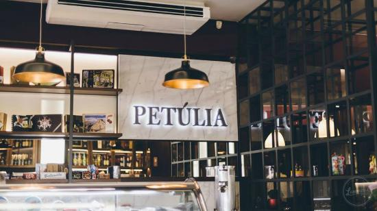 Confeitaria Petulia