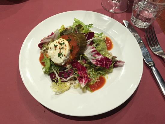Café des Musées : Aubergine (Eggplant) and Goat Cheese Salad