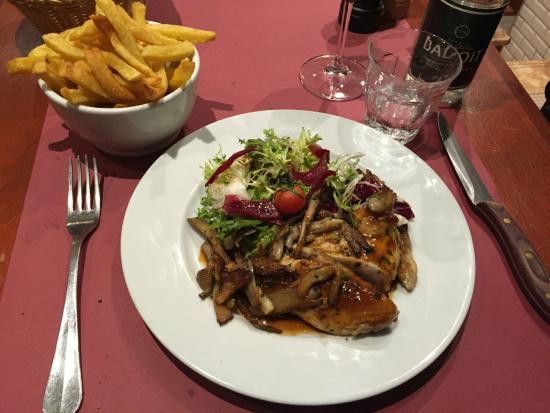 Café des Musées : Chicken Supreme