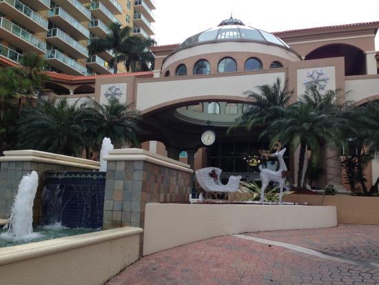 Intracoastal Yacht Club: въездная зона