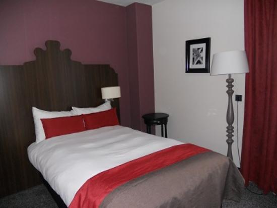 Boutique Hotel Corona : 寝心地のよいベッドです