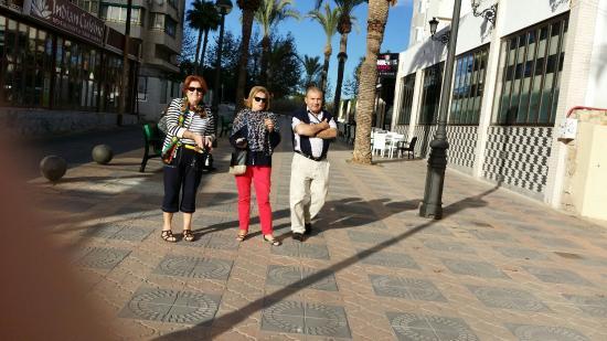 Calle peatonal que nos yeva al hotel caballo de oro