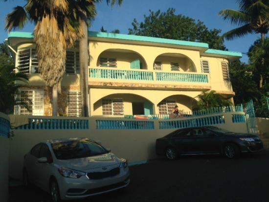El Mirador Guesthouse: Outside El Mirador