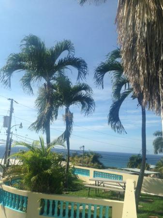 El Mirador Guesthouse: View from patio. So beautiful