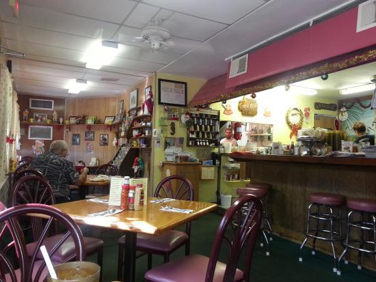 Harriette's Restaurant: Interior