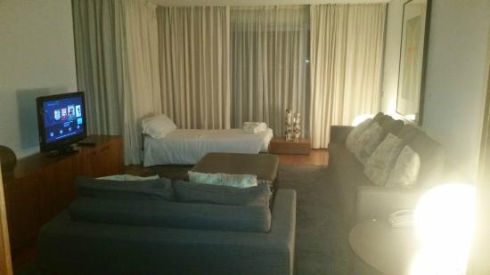 Suite picture of blue green troia design hotel troia for Design hotel troia