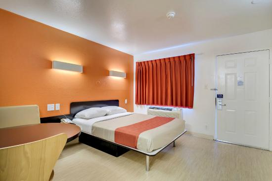 Motel 6 Baltimore - BWI Airport : Guest Room