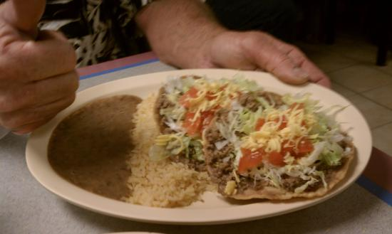 Isabel's Cafe : Chalupa Plate