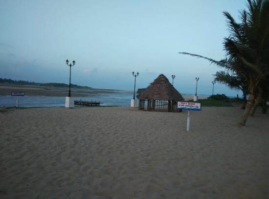 Paradise Beach Little Hut