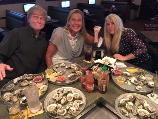Oyster Pub: Three Oystereers!?