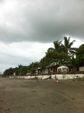 Hostería El Rampiral: Vista desde la playa