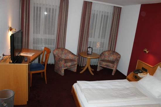 Hotel-Restaurant Krone: Room