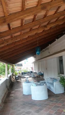 Villa Helena: view of the veranda in front of the room