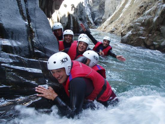 Moio Alcantara, Italie : River trekking in the Alcantara river