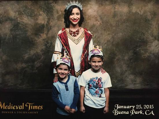 Medieval Times: Pics with the queen.