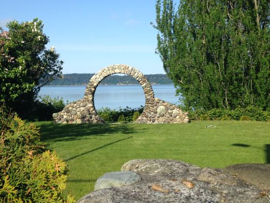 Camano Island Inn: Our Moongate