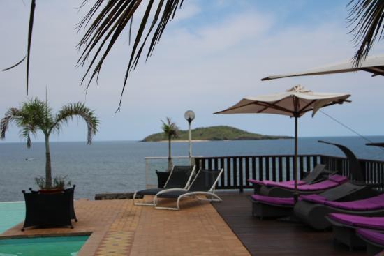 fauteuil bain de soleil tres agreable comme la vue photo. Black Bedroom Furniture Sets. Home Design Ideas
