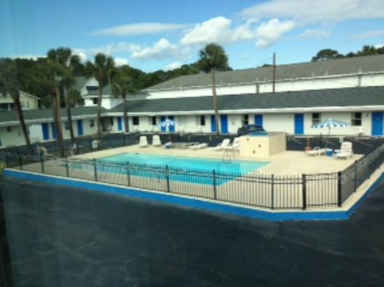 Royal Palm Motel: pool