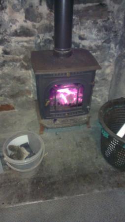 Rattray Head Eco-Hostel: super log burner.