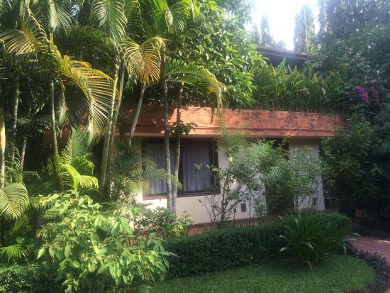 Amatao Tropical Residence: Beautiful grounds