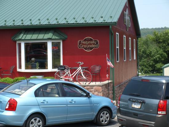 Stevens, Pensilvanya: Outside the Cafe