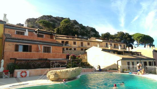 Residenza Borgo Punta Villa: Hotelanlage mit Pool