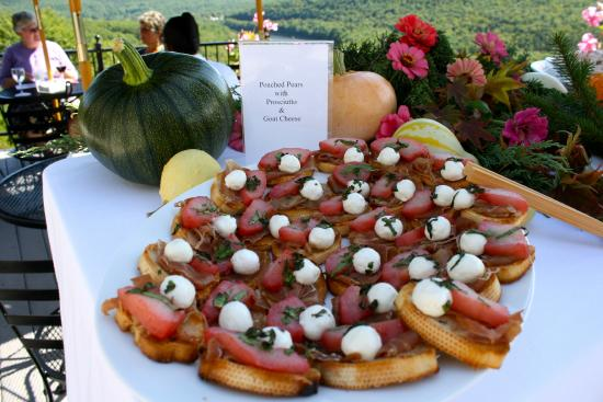 Ecce Bed and Breakfast: Guest Reception offering: Taste Tempting Hor d'ouvres